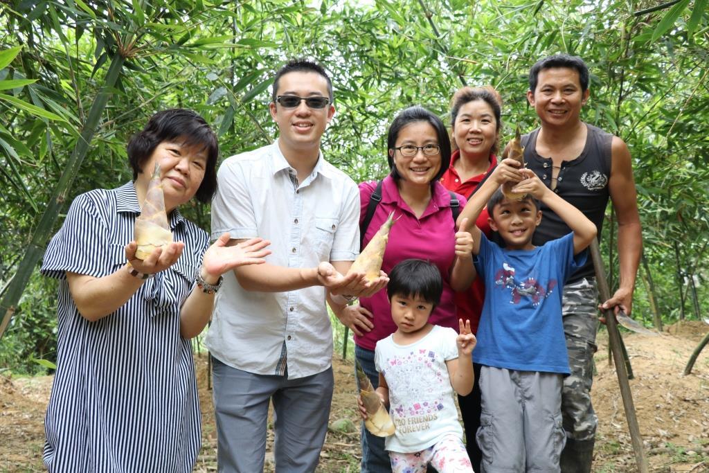全新十三行樂齡一日遊,搶鮮品嘗八里當季綠竹筍