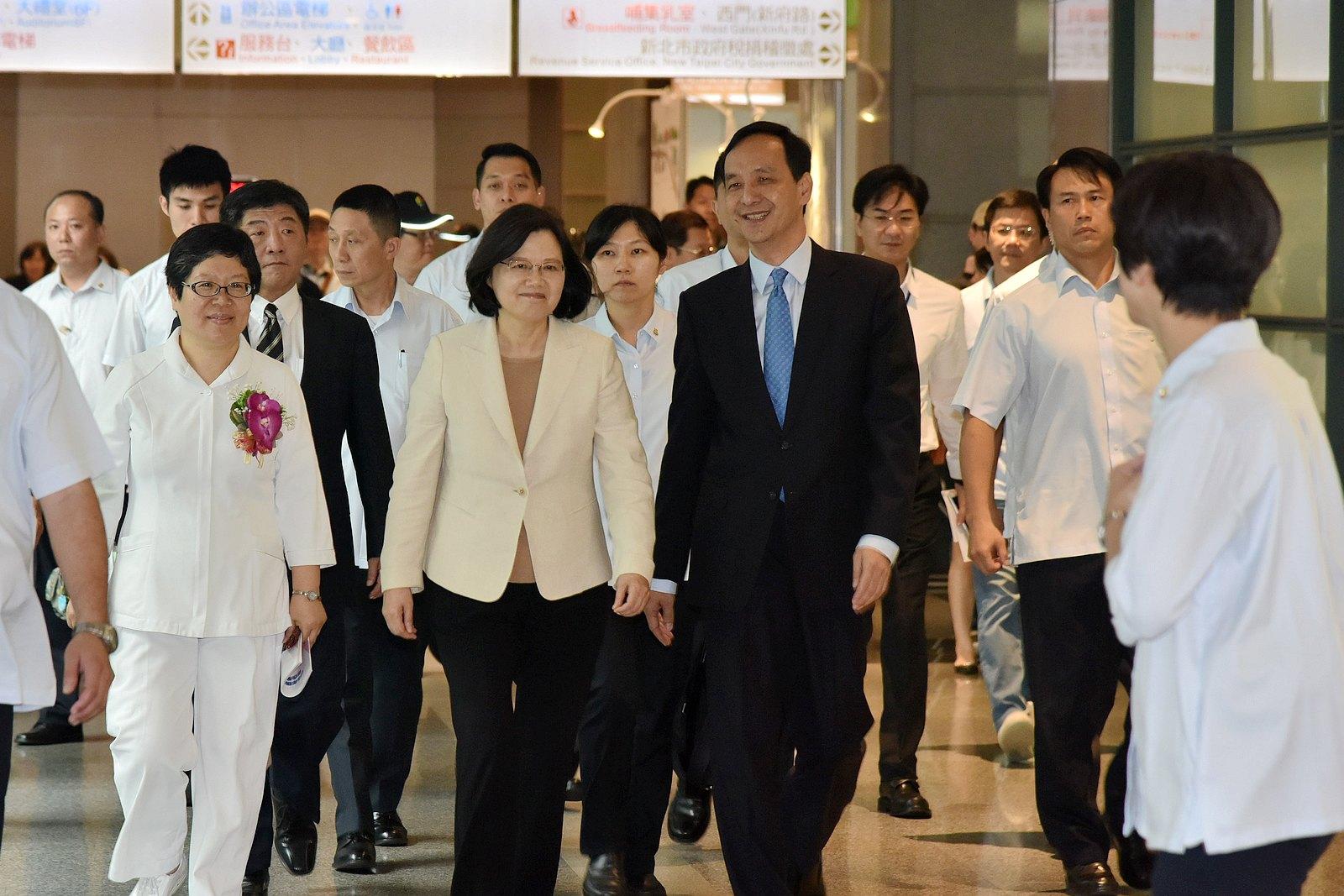 蔡總統 朱市長 出席國際護師節慶祝大會