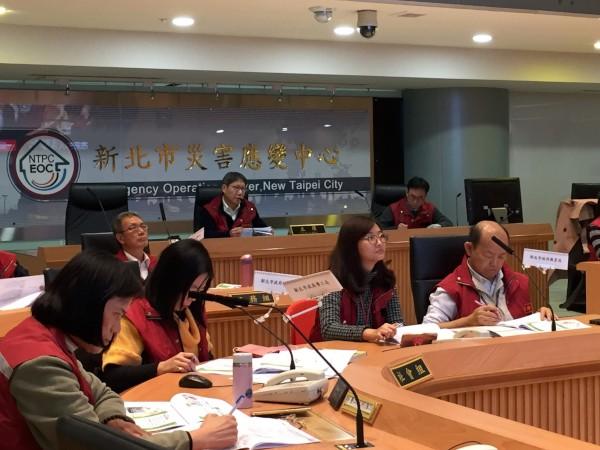 新北市政府各局處模擬空品不良情況辦理緊急應變演練,並由葉惠青副市長擔任總指揮官