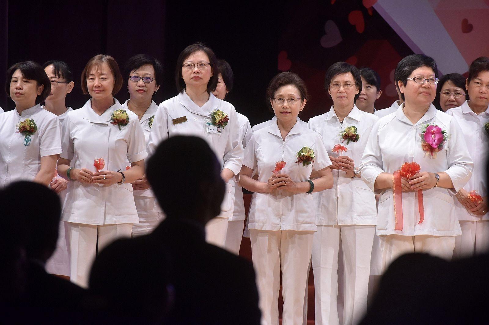 千手傳愛 璀璨希望─106年國際護師節聯合慶祝大會